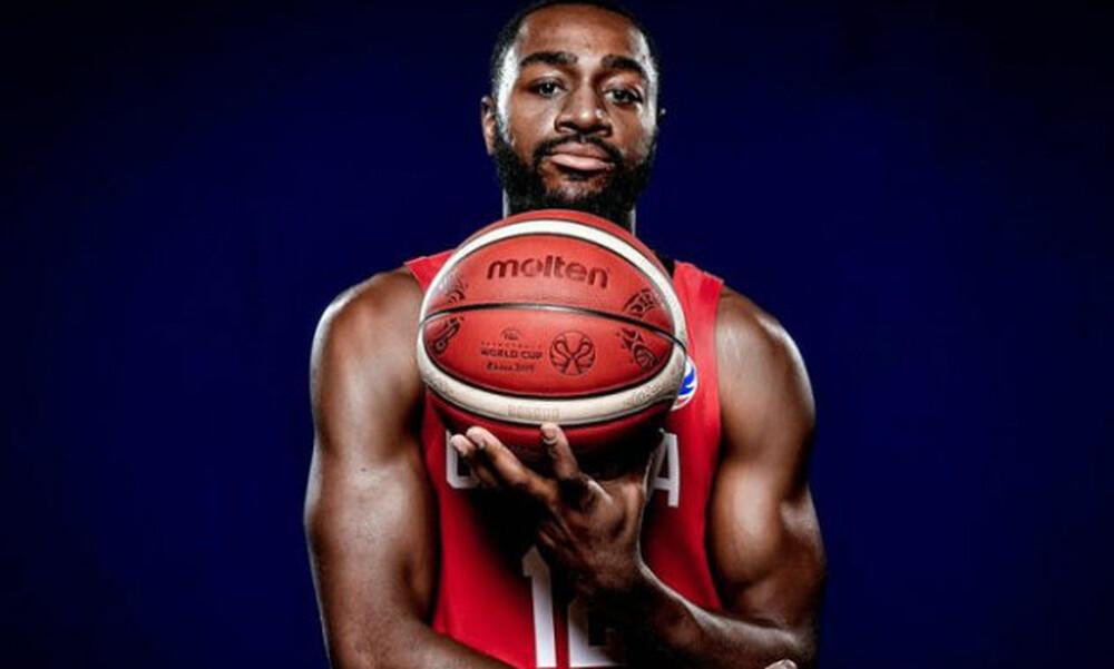 Μπεστ: «Αγαπώ το μπάσκετ, ανυπομονώ να αρχίσω δουλειά»