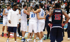 ΗΠΑ – Ελλάδα: Η FIBA θυμήθηκε τον άθλο του 2006 λίγο πριν το τζάμπολ (video)