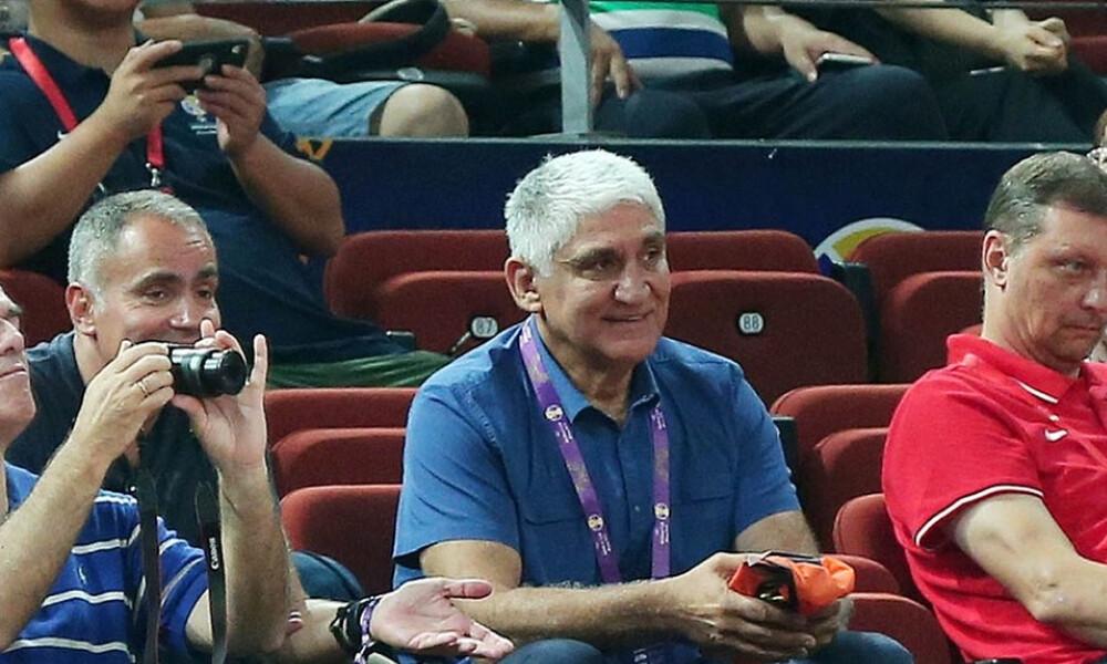 Γιαννάκης: «Ο Γιάννης δεν έκανε πέντε φάουλ, χαμηλότερου επιπέδου οι διαιτητές» (video)