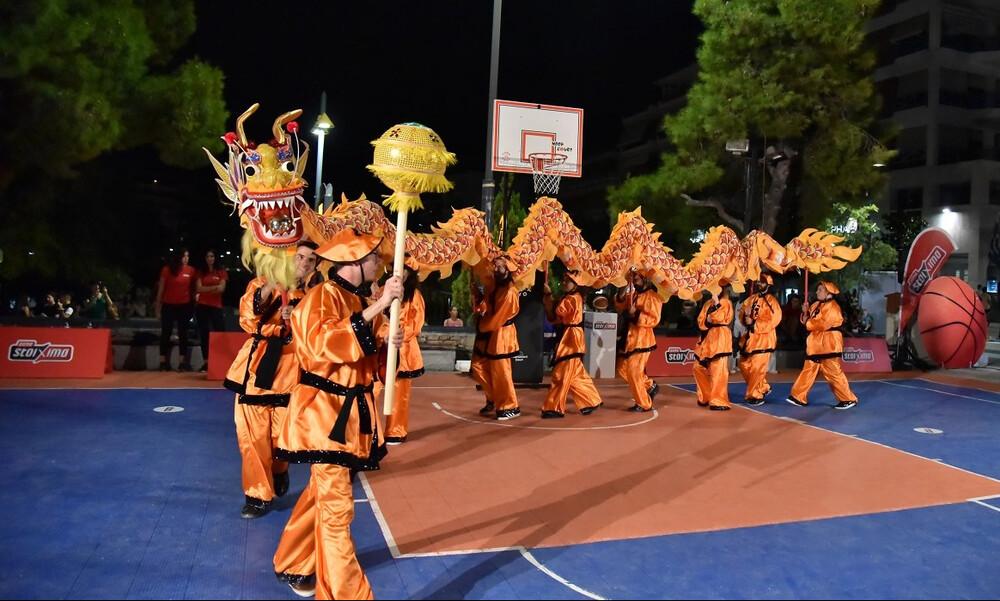 Κινέζικη γιορτή του μπάσκετ στην πλατεία Ν. Σμύρνης