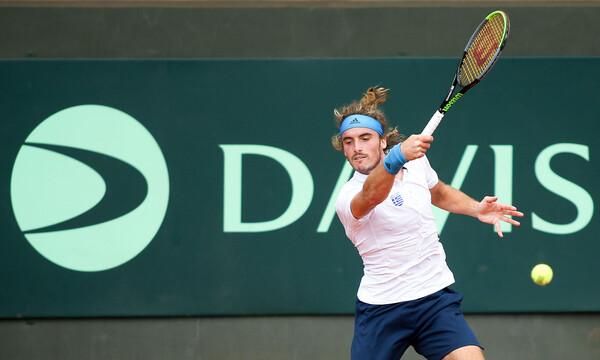 Davis Cup: Άνετο ντεμπούτο για τον Τσιτσιπά (photos+video)