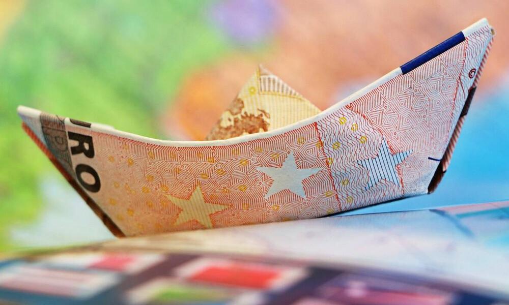 Αυξήσεις σε μισθούς και συντάξεις: Δείτε ποιοι θα πάρουν χρήματα τους επόμενους μήνες