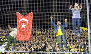 ΑΕΚ, ΠΑΟΚ, Ηρακλής με … ξένες σημαίες και οι τρεις! (pics)
