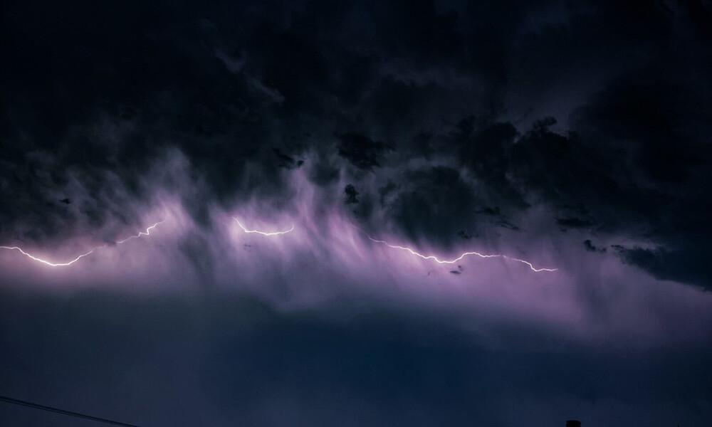 Καιρός - Έκτακτο δελτίο ΕΜΥ: Έρχονται ανεμοστρόβιλοι και ισχυρές καταιγίδες τις επόμενες ώρες (pics)