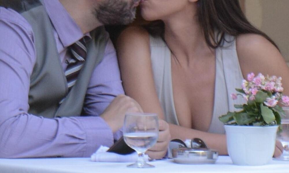 Το βαθύ ντεκολτέ και τα καυτά φιλιά με τον σύζυγό της σε κοινή θέα! (photos)
