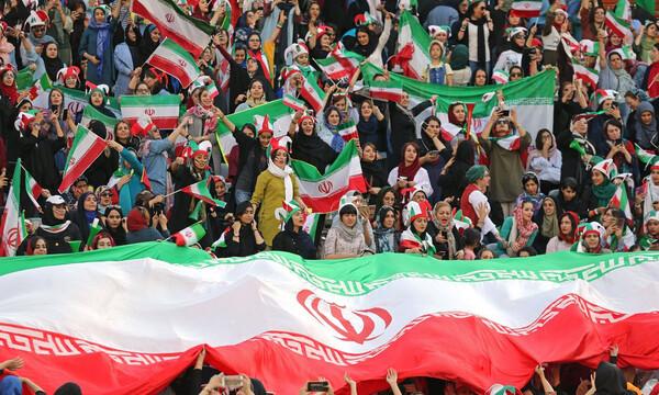 Ιράν: Οι γυναίκες μπήκαν στις εξέδρες και η εθνική το... γιόρτασε με 14 γκολ! (video+photos)
