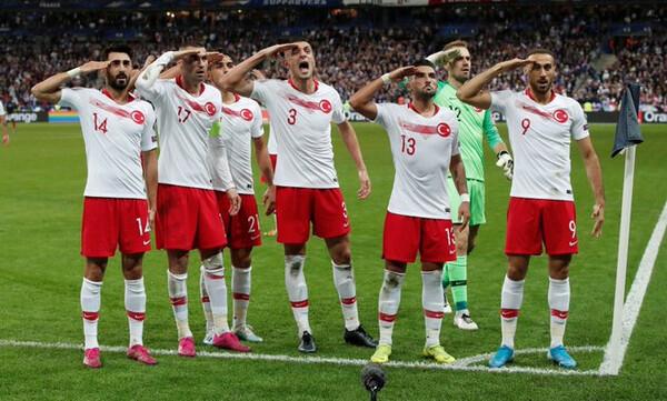 Euro 2020: Το… χαβά τους οι Τούρκοι, εντός κι εκτός γηπέδου! (photos+videos)