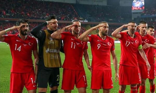Η Τουρκία απαντά στη Γαλλία με τον χαιρετισμό του Γκριεζμάν! (photos)
