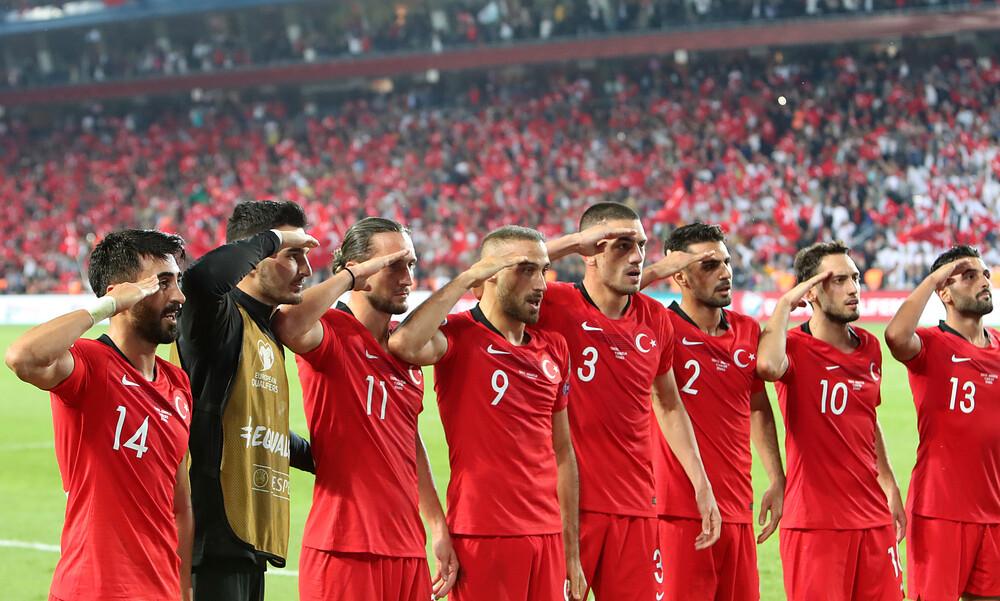 Πειθαρχική έρευνα της UEFA για τον στρατιωτικό χαιρετισμό των Τούρκων (photos)