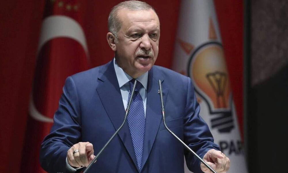 Αυτός είναι ο σφαγέας Ερντογάν: «Θα συντρίψουμε τα κεφάλια των Κούρδων αν δεν φύγουν ως την Τρίτη»