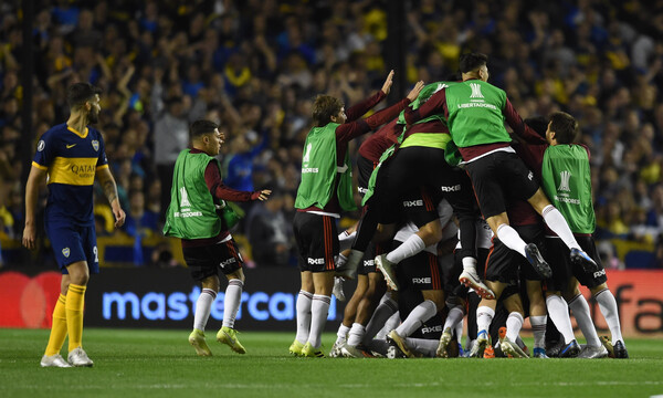 Copa Libertadores: Η Μπόκα νίκησε, αλλά η Ρίβερ πάει τελικό (photos+video)