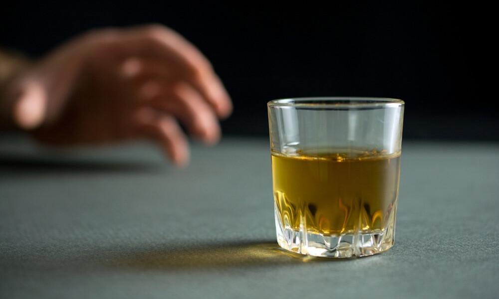 Αποχή από το αλκοόλ: 5 οφέλη για την υγεία (εικόνες)