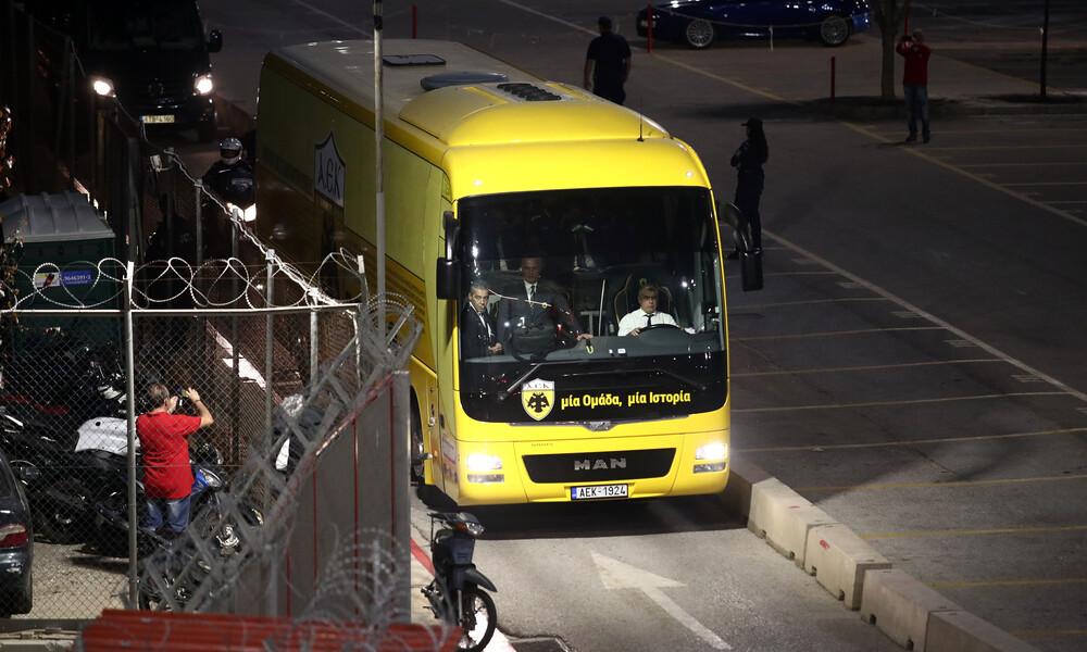 Ολυμπιακός-ΑΕΚ: Η άφιξη των «Κιτρινόμαυρων» (photos)