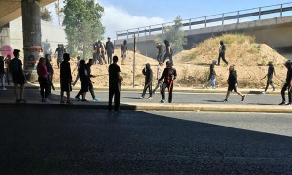 Χαμός στη Νίκαια: Επεισόδια οπαδών Ιωνικού – Προοδευτικής (video&photos)