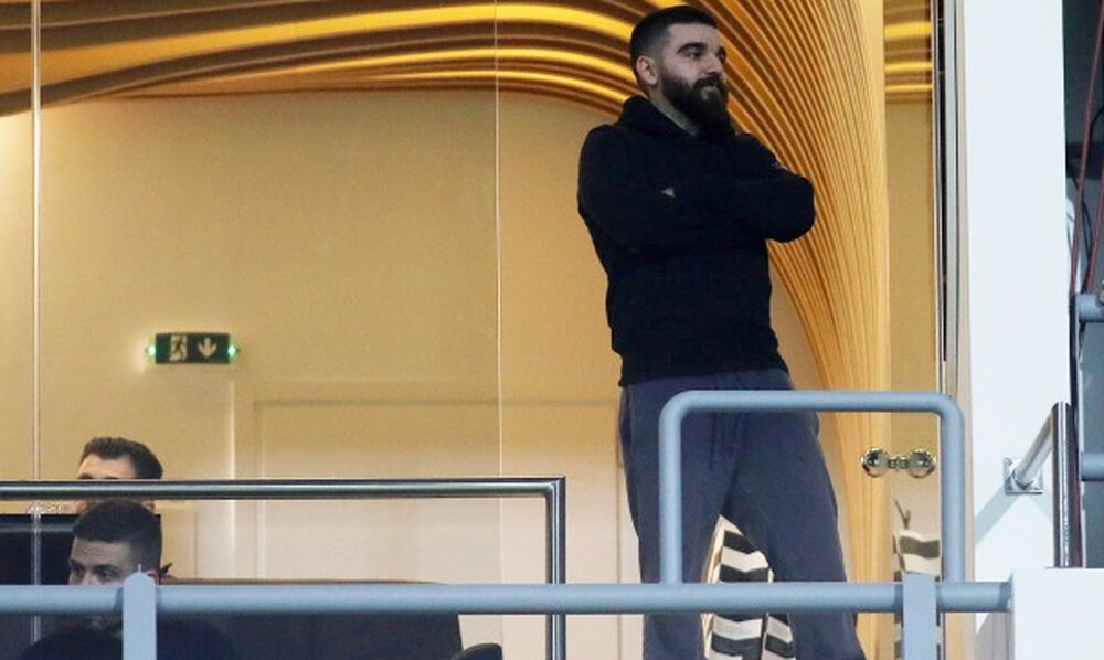 ΠΑΟΚ: «Κάρφωσε» Ολυμπιακό με.... Μπουζούκη ο Σαββίδης! (photos)