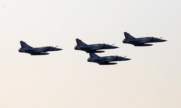 Μαχητικά αεροσκάφη: Γιατί πετούν πάνω από την Αθήνα; Δείτε την απάντηση