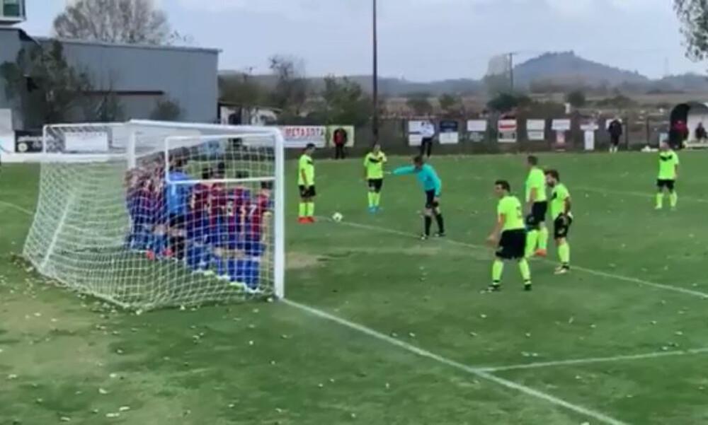 Απίθανο γκολ με 11 παίκτες μπροστά στο τέρμα!
