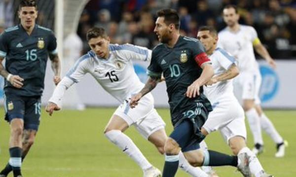 Αργεντινή – Ουρουγουάη 2-2: Ο Μέσι έβαλε το πέναλτι στο φινάλε και… κυνηγάει Πελέ! (video+photos)