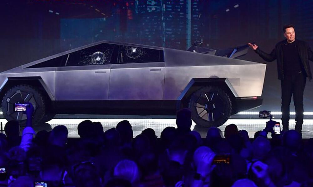 Tο νέο τεθωρακισμένο cybertruck της Tesla είναι για τις ταινίες του Σταλόνε