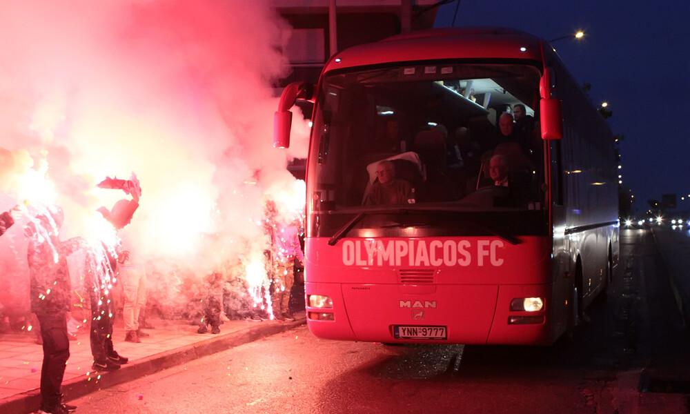 Ολυμπιακός: Θερμή υποδοχή στο Αγρίνιο (photos)