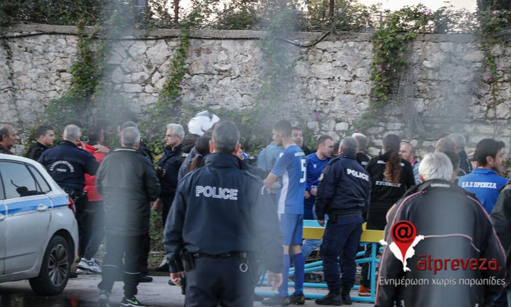 Χάος στην Πρέβεζα! Ξύλο στο ντέρμπι Γ' Εθνικής και παίκτες στο νοσοκομείο (photos)