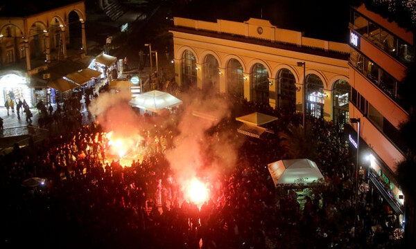 Ολυμπιακός – Ερυθρός Αστέρας: «Αγριεμένοι» οι Σέρβοι, καπνογόνο σε συρμό! (photos)