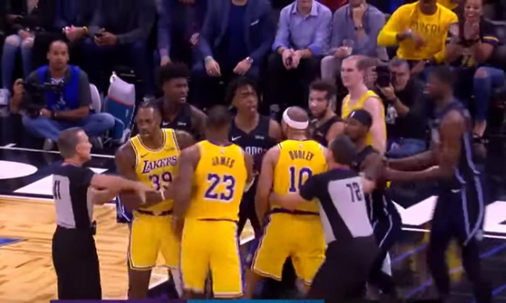 Μεγάλη ένταση στο NBA: Την «έπεσαν» σε Χάουαρντ…και «πιάστηκαν» στα χέρια! (photos+video)