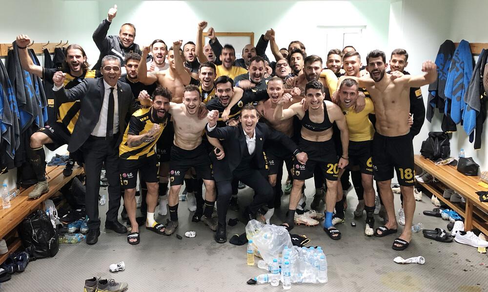 AEK: Πάρτι σε αποδυτήρια για παίκτες και κόσμο (videos+photos)