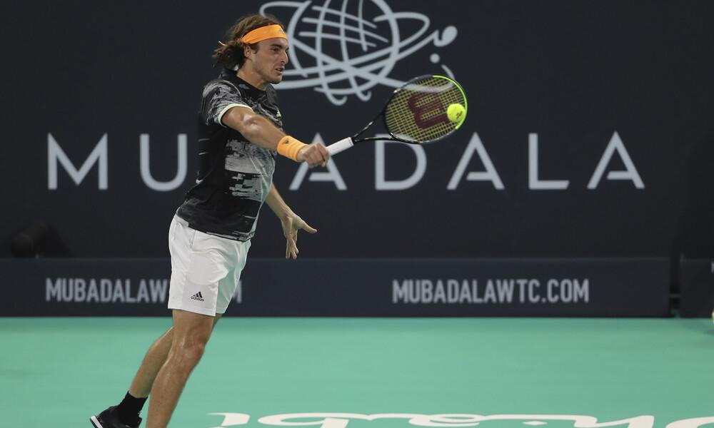 Δεν σταματιέται ο Τσιτσιπάς: Κατατρόπωσε και τον Τζόκοβιτς και πέρασε στον τελικό του Αμπου Ντάμπι