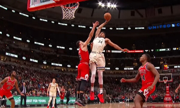 NBA: Top 5 με τρομερό κάρφωμα Αντετοκούνμπο (video)