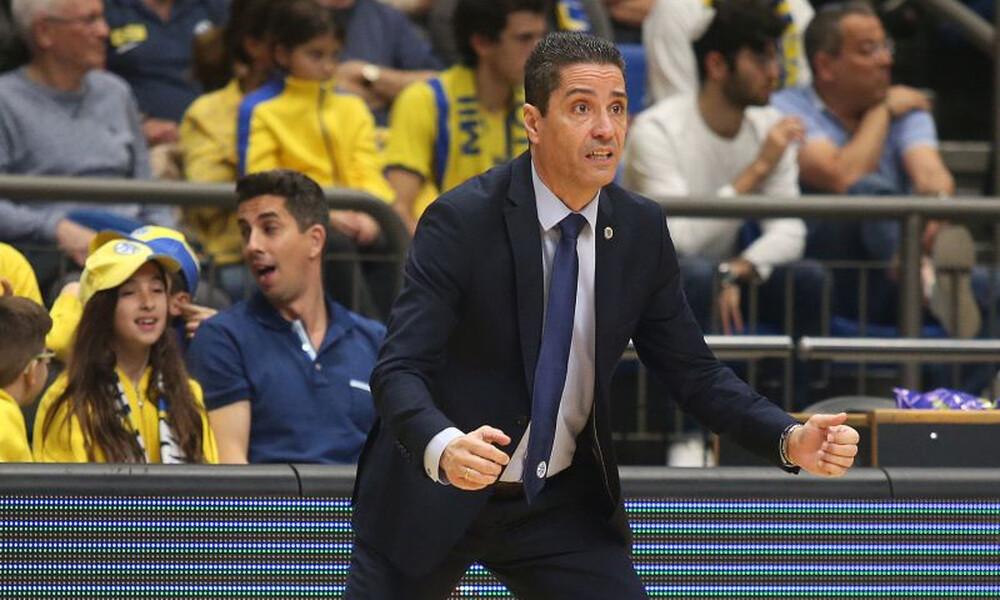 Ο Σφαιρόπουλος αρνήθηκε να υπογράψει σε φωτογραφία του από τον Ολυμπιακό (video)
