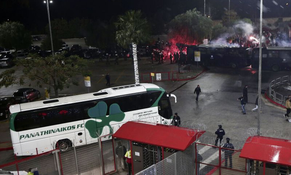 ΕΛ.ΑΣ.: «Τραυματίας αστυνομικός στο Ολυμπιακός – Παναθηναϊκός» (video+photos)