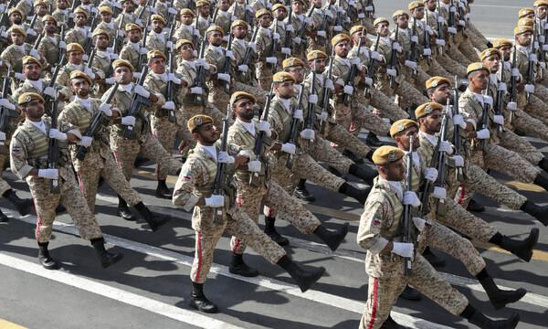 Πόλεμος ΗΠΑ-Ιράν: Αυτή είναι η στρατιωτική ισχύς της Τεχεράνης απέναντι στον αμερικανικό στρατό
