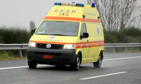 Οικογενειακή τραγωδία στο Μεταξουργείο: Γονείς βρέθηκαν νεκροί δίπλα στα παιδιά τους (vid)