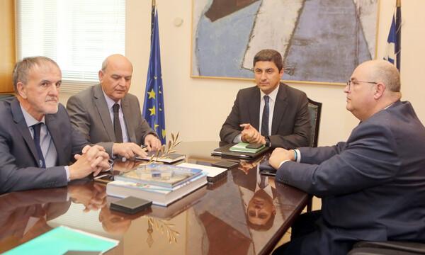 Συνάντηση Αυγενάκη-ΕΠΟ: Οι λέσχες φιλάθλων και το Παγκρήτιο στην ατζέντα (photos)