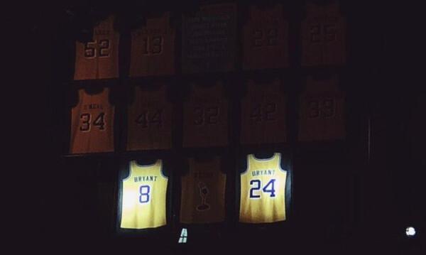 NBA: Ράγισαν καρδιές στο αφιέρωμα των Κλίπερς για τον Κόμπι (video)