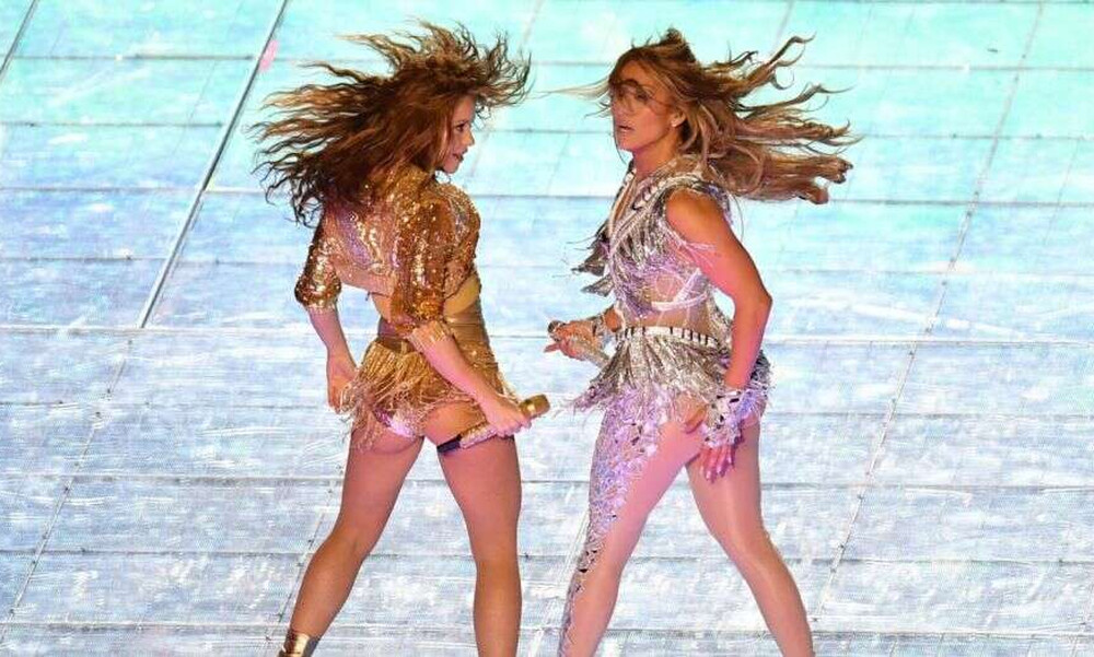 Super Bowl: Το απίστευτο σόου από Shakira και Jennifer Lopez (video)