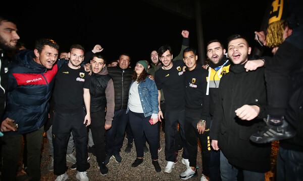 ΑΕΚ: Θερμή υποδοχή στο Αγρίνιο και «τρέλα» με Αραούχο (photos)