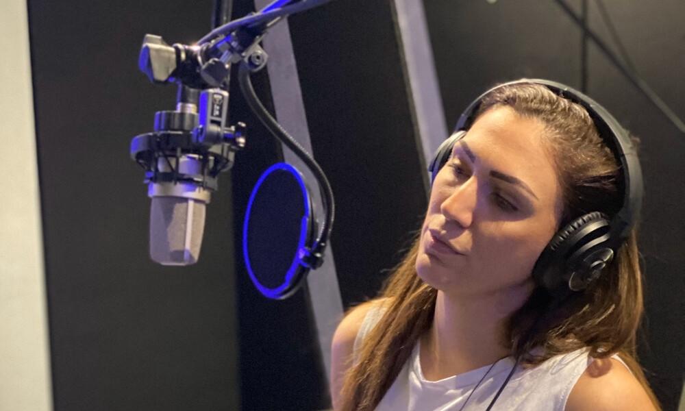 Βασιλική Νταντά: Επιστρέφει με νέο τραγούδι έκπληξη (photos)