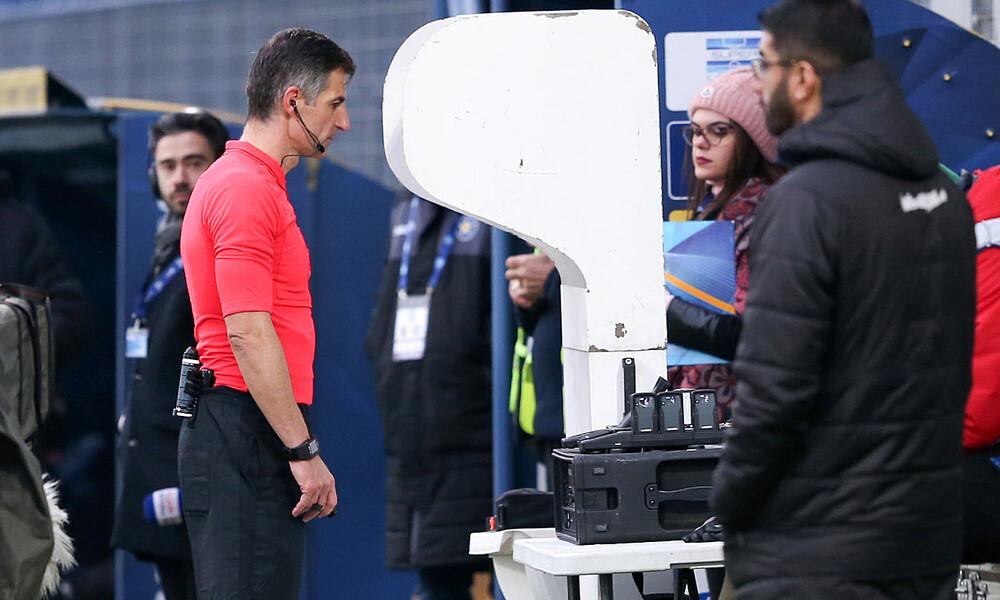 «Φρένο» της FIFA στη... χρήση δικαιώματος VAR από τους προπονητές