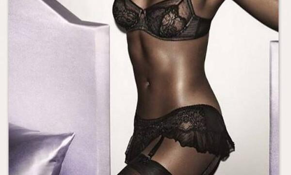 Η πιο «καυτή» 50άρα στον πλανήτη ποζάρει topless και τρελαίνει κόσμο (photos)