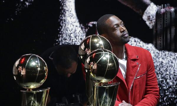 NBA: Απέσυραν τη φανέλα του Γουέιντ οι Χιτ (video)