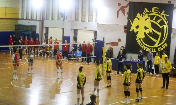 Τιμή στη μνήμη του Βουτσά και στο ματς του βόλεϊ ΑΕΚ-Ολυμπιακός (photos)