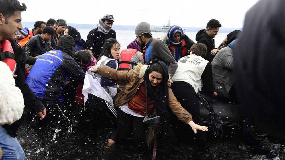 Οι αντιδράσεις των κομμάτων στις απειλές της Τουρκίας για άνοιγμα των συνόρων