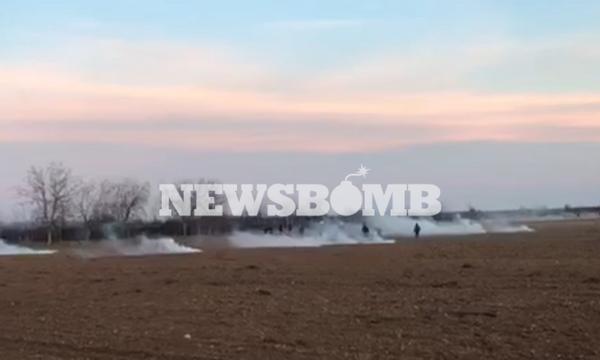«Εισβολή» LIVE - Έβρος: Πεδίο μάχης τα σύνορα - Χιλιάδες μετανάστες προσπαθούν να περάσουν στη χώρα