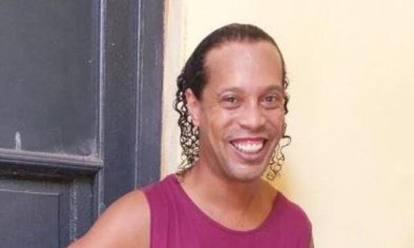 Ροναλντίνιο: Η ζωή του στη φυλακή (photos)
