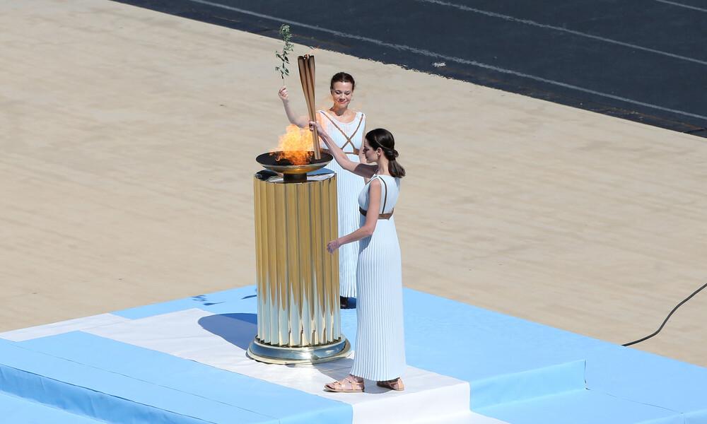 Λιτή και χωρίς κόσμο η τελετή παράδοσης της Ολυμπιακής φλόγας στην ΟΕ του Τόκιο 2020 (video)