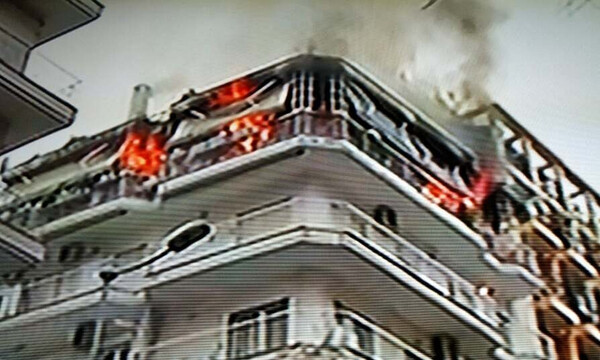 Φωτιά ΤΩΡΑ: Στις φλόγες διαμέρισμα στη Θεσσαλονίκη (pics)