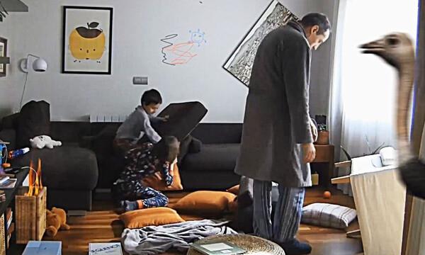 Πατέρας... μένει σπίτι με δύο παιδιά! Δείτε τι συμβαίνει την 7η μέρα (video)