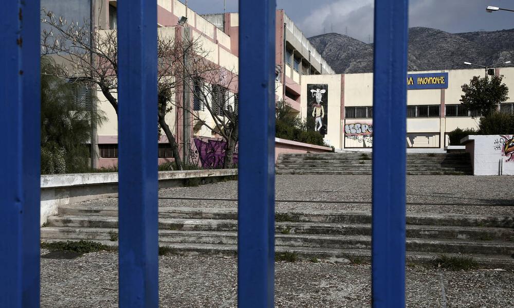 Κορονοϊός: Πότε θα ανοίξουν τα σχολεία - Τι θα γίνει με τις Πανελλήνιες